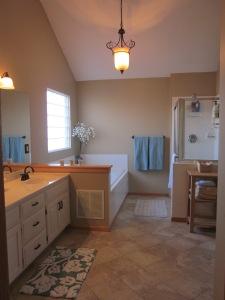 Accessorize a Bathroom